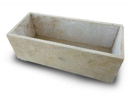 fioriere in pietra vasi e fioriere in pietra acquista on line il sasso di