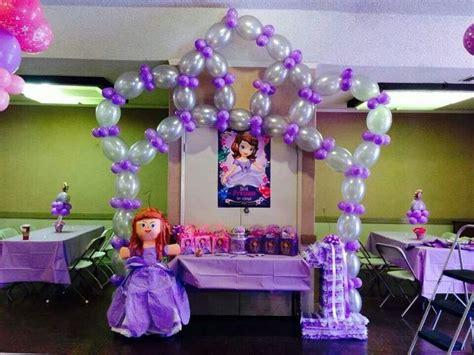 adornos de sofia decoraci 243 n con globos de princesa sofia imagui