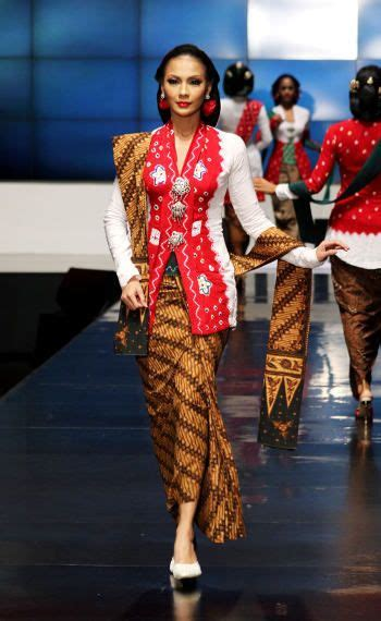 Kebaya Jumputan the kebaya for international pageants