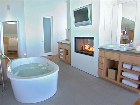 badezimmer gestaltungsideen hgtv s top 10 designer bathrooms hgtv