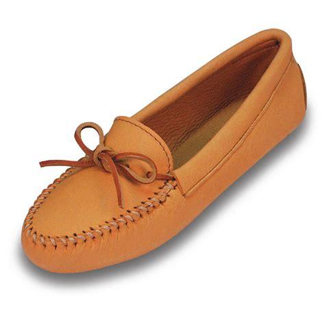 deerskin slippers s minnetonka 174 moccasin deerskin softsole