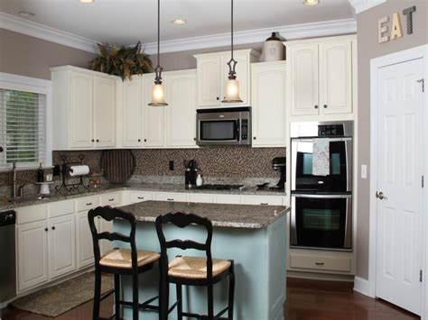 chalk painting kitchen cabinets tuscan kitchen paint colors kitchen paint colors with white