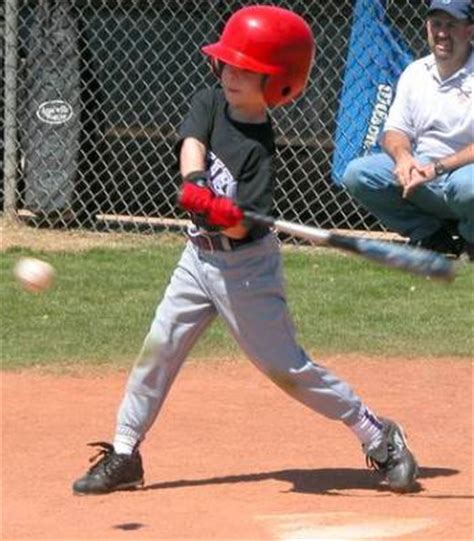 a good baseball swing good young hitters