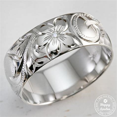 14K White Gold 8MM Ring Hand Engraved With Simple Diamond