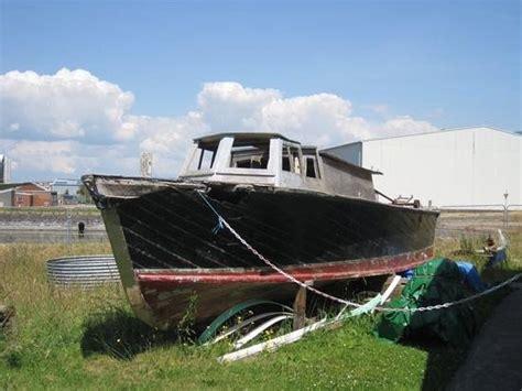 flying boat visitor centre pembroke dock raf seaplane tender picture of pembroke dock heritage