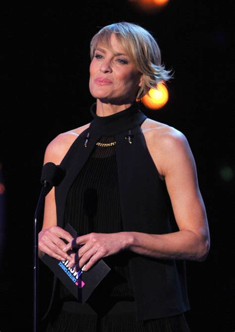robin wright have a trach did robin wright have a tracheotomy