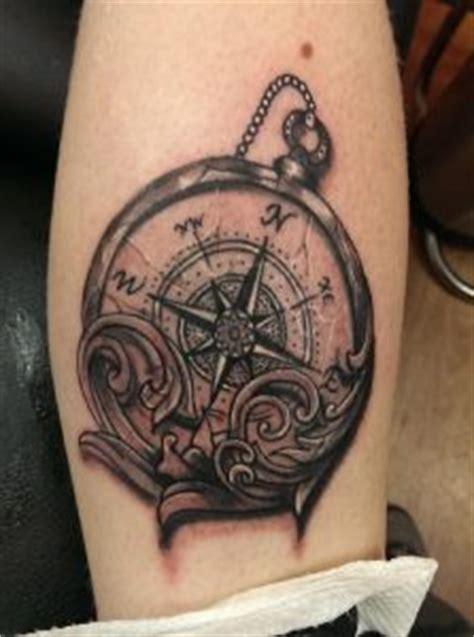 tattoo old school bussola tatuaggio bussola significato disegni e foto