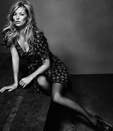 Kate Moss For Topshop A Closer Look At The Chiffon One Shoulder Dress And Halter Mini by Kate Moss Styliste Pour Topshop En 2014
