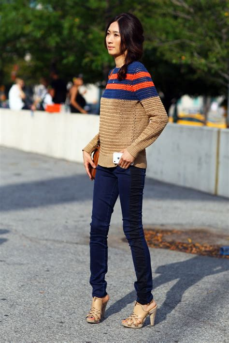 A Sweater Now style ways to wear a fall sweater now 2018 fashiongum