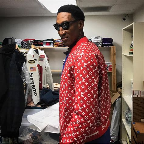 Kaos Supreme X Lv Black scottie pippen s supreme x louis vuitton jacket supreme