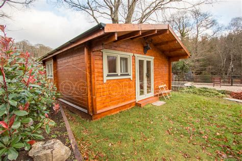 two bed type d log cabin tudor lodge loghouse ie