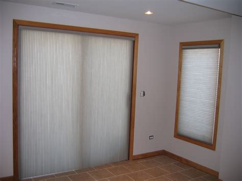 Vertical Shades For Sliding Glass Doors by Shade For Sliding Glass Door And Window Treatment Idea