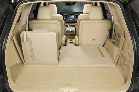 toyota highlander 8 seater 2014 toyota highlander remaking a benchmark the daily