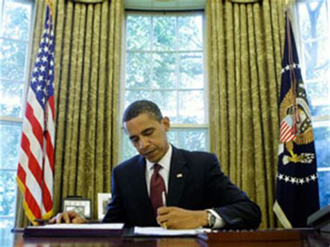 obama at desk president obama s national american history month