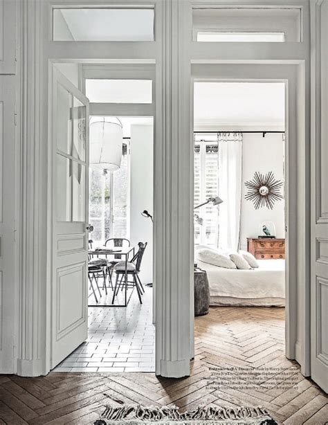 A Witty Entrance In A Parisian Apartment by A Apartment In Black And White Interiors By Color