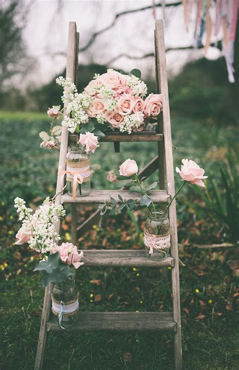 20 Creative Shabby Chic Ladder Wedding Decoration Ideas