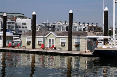 boston bed and breakfast green turtle floating b b boston s 1b b vrbo