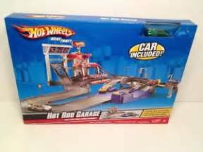 Hot Wheels Hot Rod Garage Set Includes Car Electric Brand