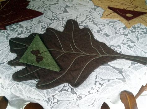 pattern for leaf shaped placemats an autumn decor idea leaf placemats with matching seed