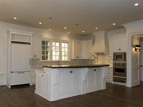 10 foot ceilings and cabinets crown moulding above - 10 Ft Ceiling