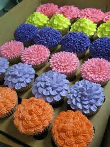 flower decorating tips spring cupcakes frosting ideas cupcakes pinterest spring cupcakes cupcake frosting and