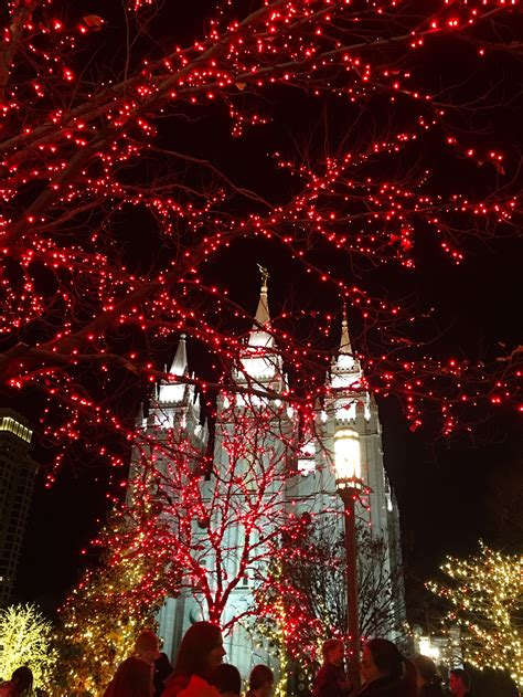 temple square lights 2017 2018 lights shine bright on temple square