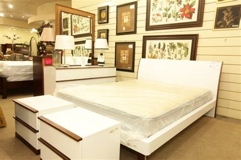 consignment bedroom furniture kinwai white king bedroom set colleen s classic