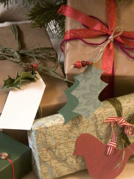 recycled gift wrap ideas a homemade living 12 alternative eco friendly diy gift wrapping ideas