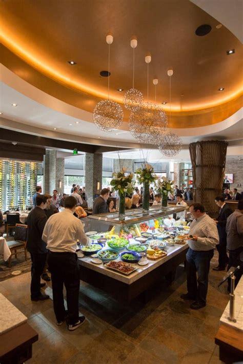 restaurants lincoln square fogo de ch 227 o opens bellevue restaurant at lincoln square