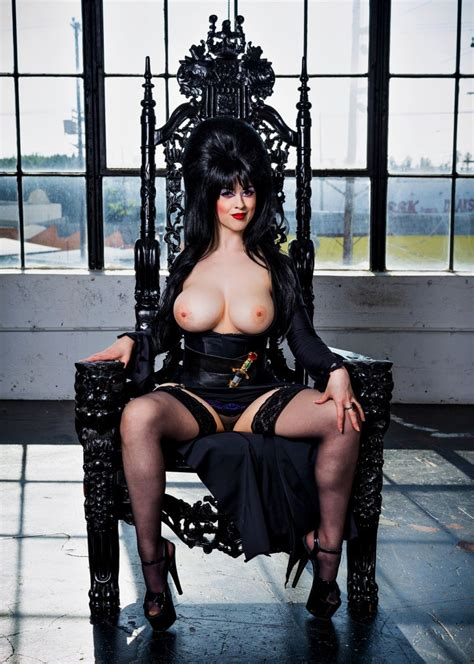 Larkin Love S Tribute To Elvira Sexy Cosplay Cosplay Pictures Pictures Luscious