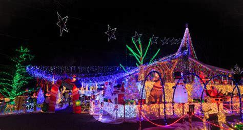 saugerties family s famous christmas light display to