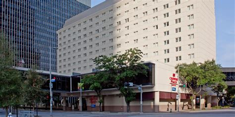 Hotels Near Houston Toyota Center Crowne Plaza Houston Downtown Houston