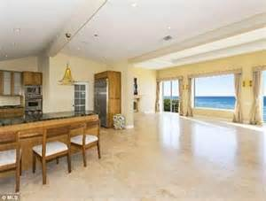 Bruce Jenner House by Inside Bruce Jenner S Malibu Pad Where He Goes To