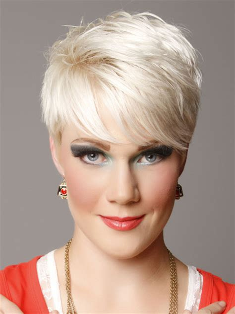 platinum pixi cut with brown highlights pixie hair styles with platium highlights brown pixie
