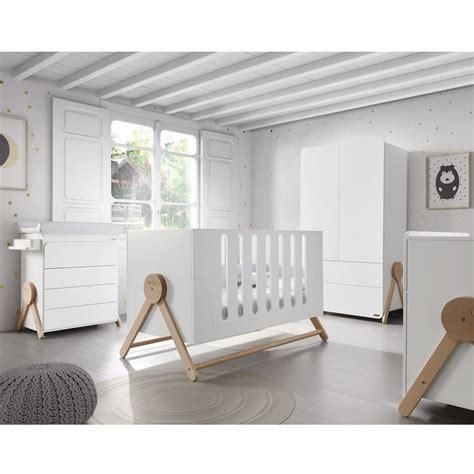 chambre de bebe stunning chambre en bois bebe photos seiunkel us