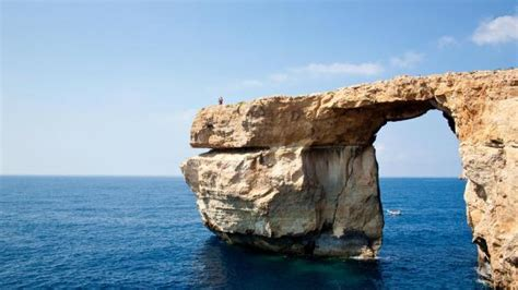 azure window before and after part of dwejra azure window collapses