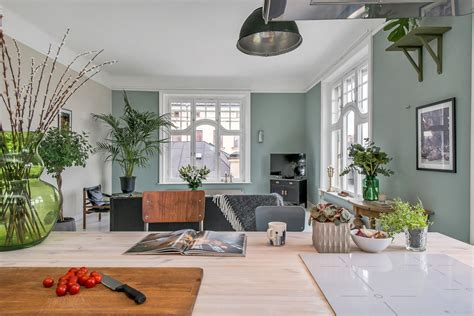square foot apartment exudes casual elegance