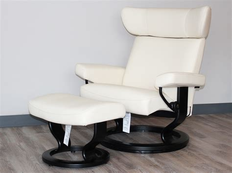 stressless recliner chairs ekornes stressless viva leather recliner and ottoman