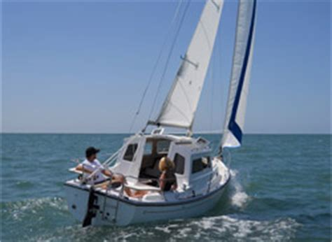 cp 23 pilothouse, a trailerable cruising sailboat from com