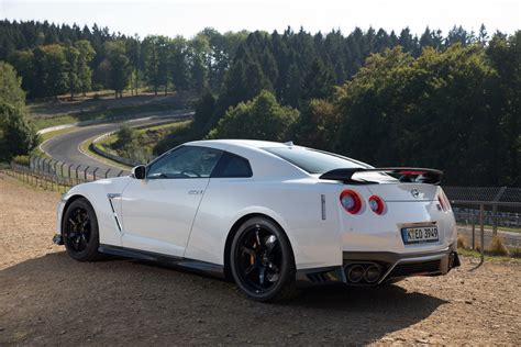nissan gtr 2017 2017 nissan gt r track edition hits the european car
