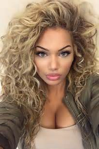 wavy hairstyles best 25 long curly hairstyles ideas on pinterest