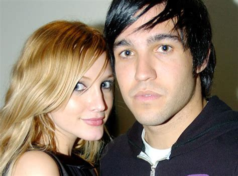 Ashlee Pete Wentz Cozy Up by Ashlee Pete Wentz Selling House Looking For