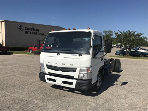 mitsubishi trucks 2014 2014 mitsubishi fuso for sale 12 used cars from 18 531