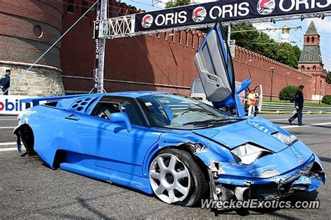 bugatti eb110 crash bugatti eb110 supersport crashed wrecked exotics pinterest