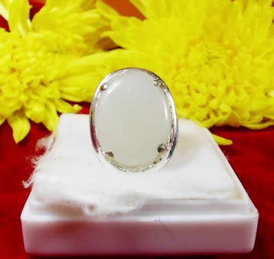 Batu Giok Cina Spesial cincin giok putih rrc central pusaka