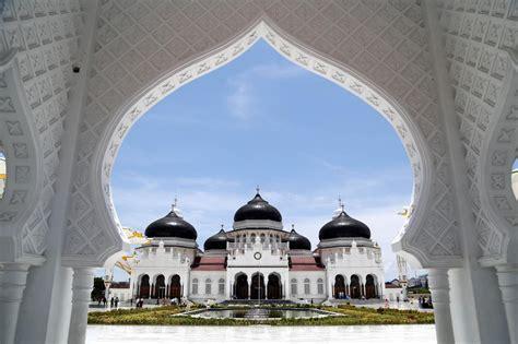 indonesia promotes halal destinations  saudi arabia