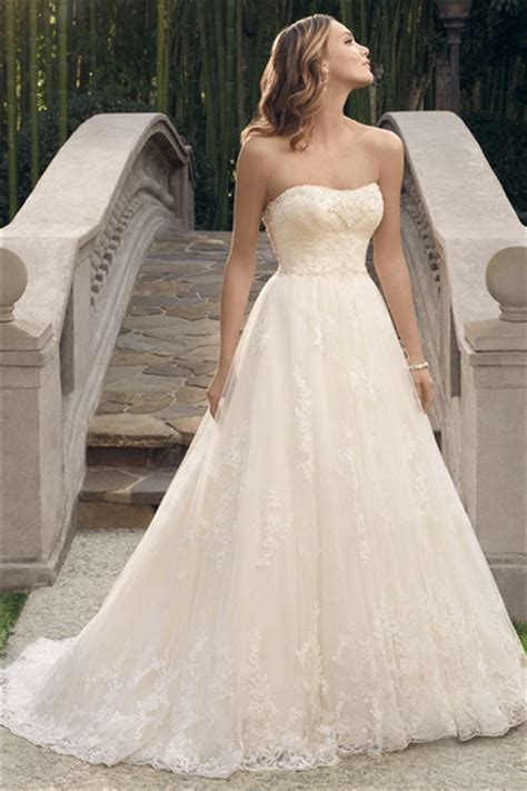 The 25 Most Pinned Wedding Dresses Of 2014 Bridal Guide | the 25 most pinned wedding dresses of 2014 huffpost