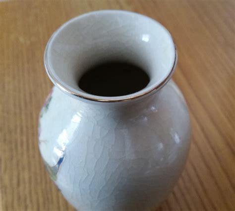 Japanese Vase Identification by Peacock Vase Japanese With Unidentifiable