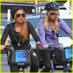 Meatpacking District On With Beyonce Lindsay Lohan by Dina Lohan Photos News And Just Jared