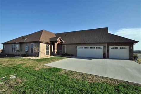 Garage Sales Branson Mo by Stonebridge Patio Home Branson West Mo 65737